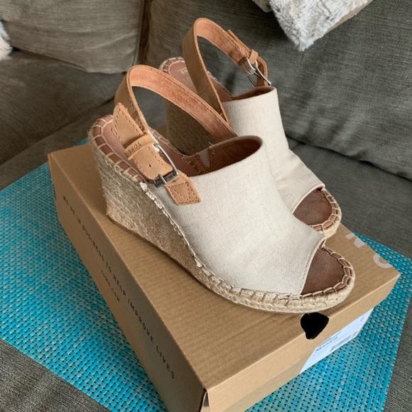 b1f882b922549 TOMS Monica Hemp Espadrille Wedge Sandals. M_5c7411139539f785319058bd